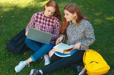 Студенти коледжів також звільнені від ДПА