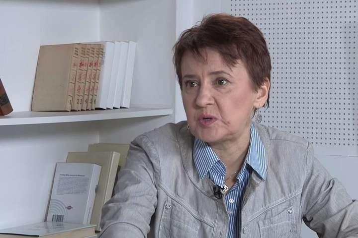 Письменниця Забужко шокована списком літератури, який школярі отримали на канікули