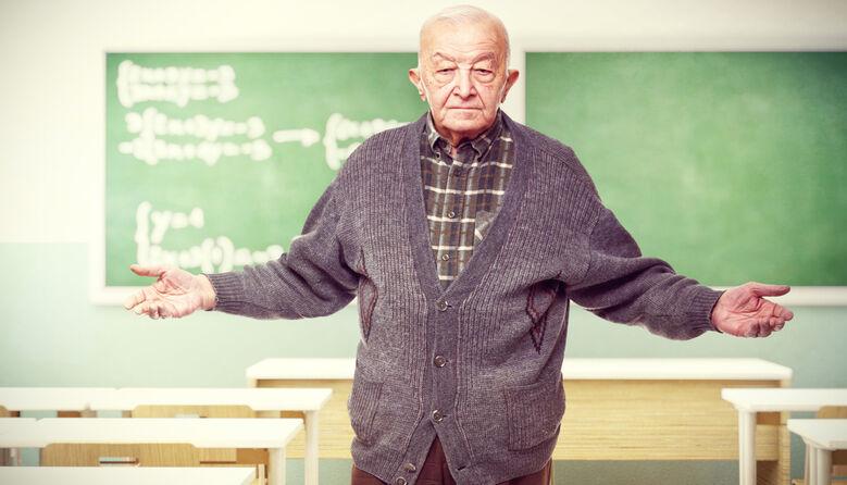 Чому контракти для вчителів-пенсіонерів не розв'яжуть кадрову проблему