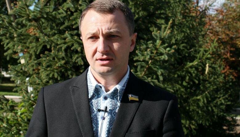 Українська в школах викладається неякісно: мовний омбудсмен розповів про першочергові завдання