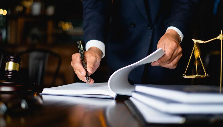 Уряд пропонує розширити права педагогічних працівників