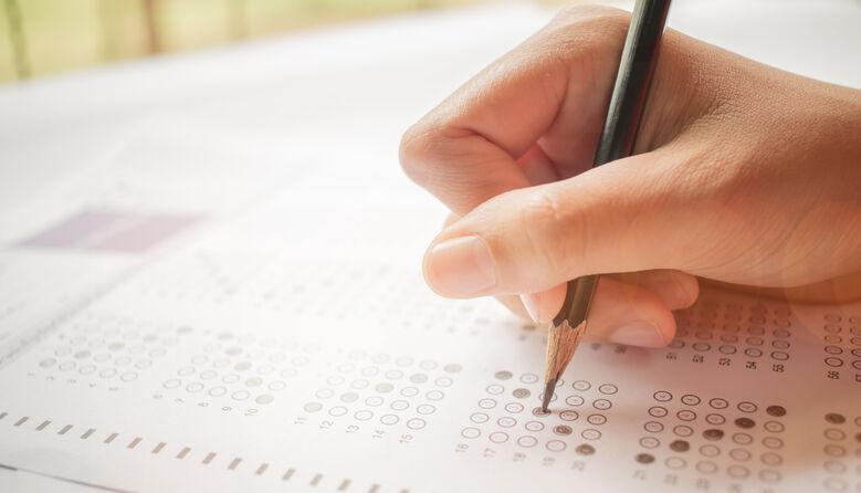 Конфуз на ЗНО: у тестових завданнях з укрліт з'явився незнайомий твір – створено петицію