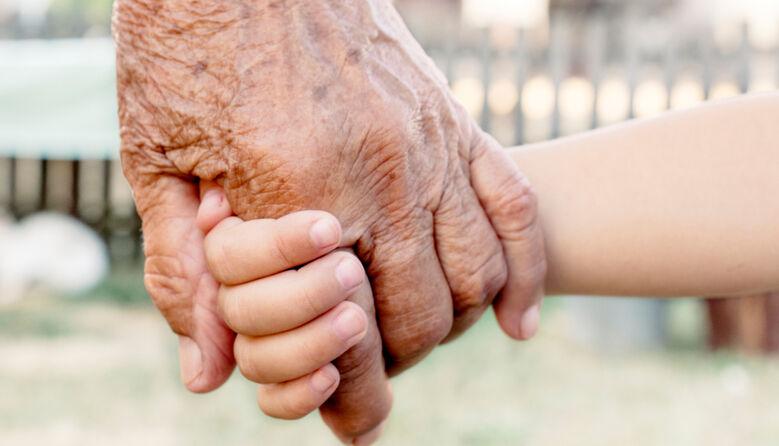 Конфлікт поколінь: чому дорослі не розуміють дітей, а діти дорослих