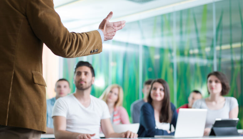 Здобути освіту чи здобути свідоцтво: чи варто видавати сертифікат про закінчення школи всім учням