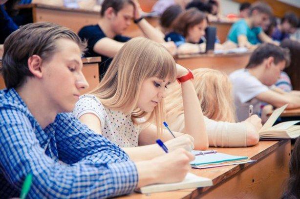 Для абітурієнтів, які планують вступати на заочну форму навчання, можуть скасувати ЗНО