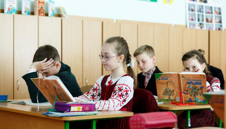 Що очікує на школи у ліквідованих районах – пояснення Кабміну
