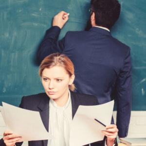 Потрібен закон, який би передбачав штрафи за наклеп і звинувачення вчителів, — експерт