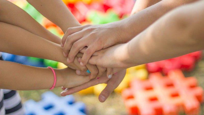 """10 кроків для реалізації концепції """"Безпечна і дружня до дитини школа""""- рекомендації МОН"""