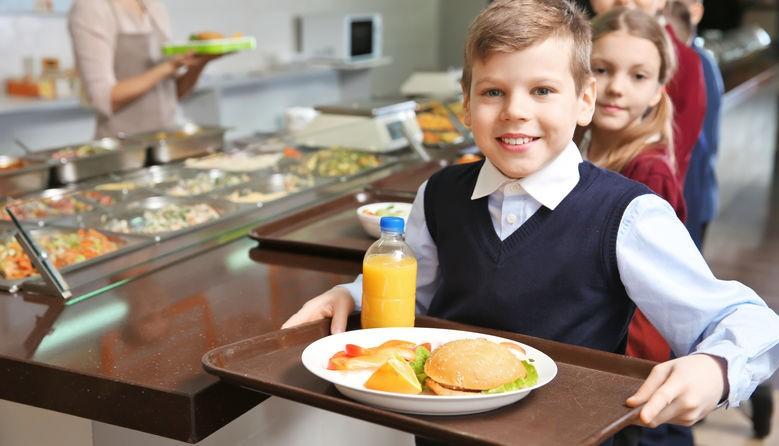 Нове меню та модернізація їдалень: Кабмін схвалив реформу харчування в школах