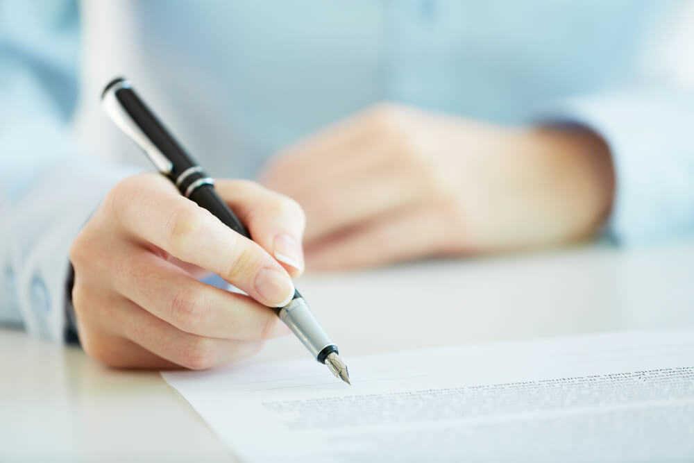 Заклади освіти мають укладати типові договори