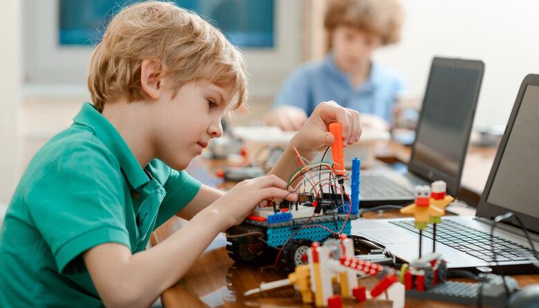 Закупівлі обладнання для STEM-освіти: і знову школам — найдешевше?