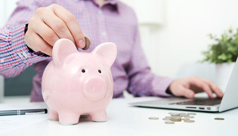 Новий бюджет освіти: як зміняться зарплати вчителів та коли будуть кошти на боротьбу з COVID у школах?