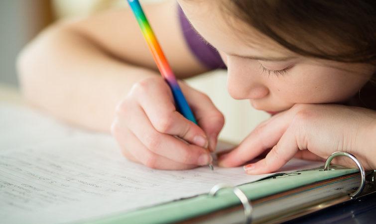 Скільки домашніх завдань можуть задавати у 1-4 класах. Пояснюють експерти