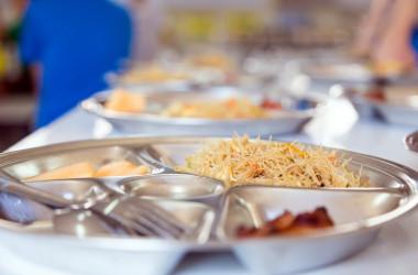 МОН нагадало школам про якість харчування дітей