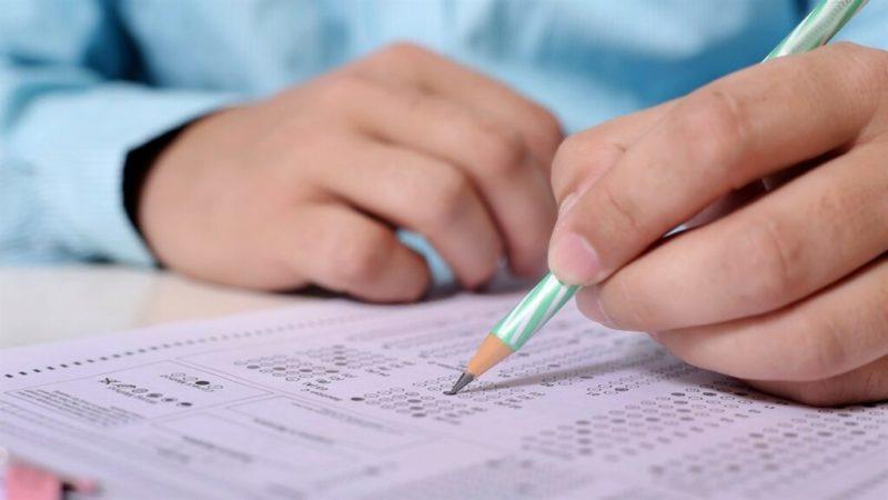 Нові правила вступу до вишів: абітурієнти здаватимуть окремий тест з української мови