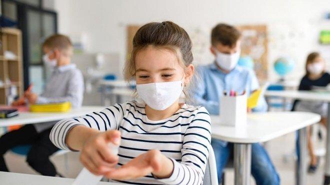 Що робити місцевій владі, якщо не вистачить грошей на маски та антисептики для шкіл