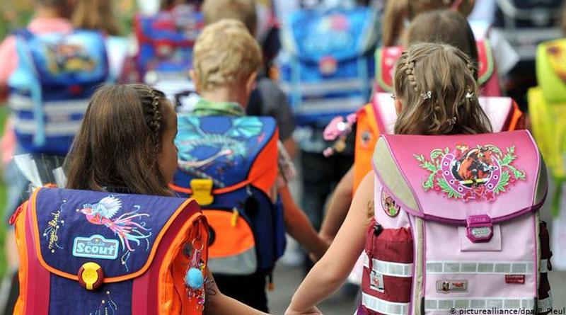 Що має бути в рюкзаку школяра для безпечного навчання під час COVID-19: список