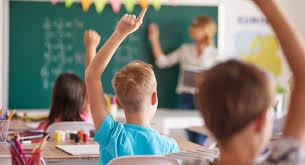 """Рішення щодо закриття шкіл у """"червоній"""" зоні буде приймати місцева влада"""