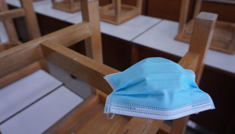 В одній зі шкіл захворіло 30 освітян: вчителів відправляють робити тест на COVID-19