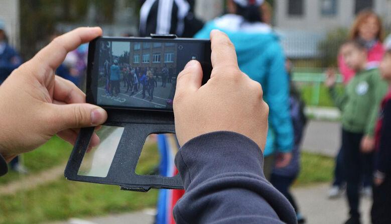 Чи має право учень або вчитель проводити фото-, відеознімання у школі: роз'яснення мін'юсту