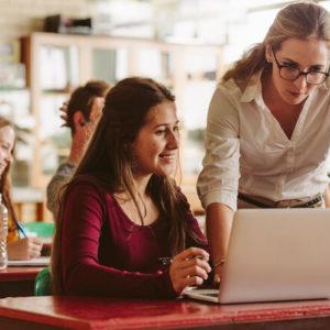 Як готуватимуть вчителів до інтегрованих курсів: відповіді МОН на запитання щодо стандарту базової середньої освіти