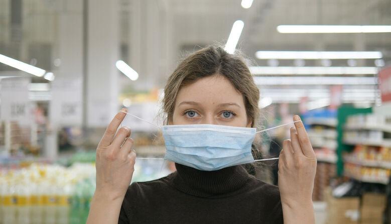 Без маски – плати штраф! В Україні каратимуть за відмову носити маску в громадських місцях