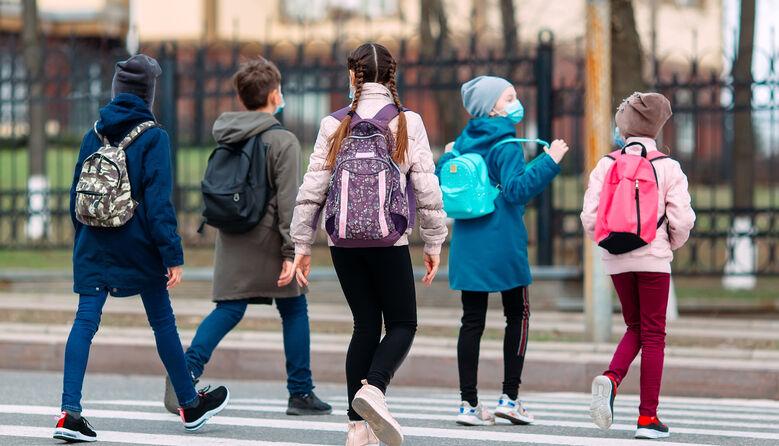 Дистанційка скасована: у яких регіонах України поновлене очне навчання