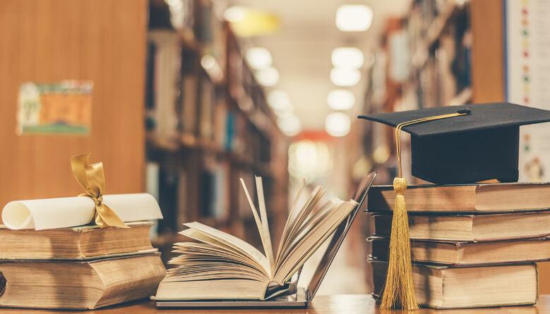 Підручники без помилок: нардепи зареєстрували законопроєкт щодо забезпечення якості навчальної літератури