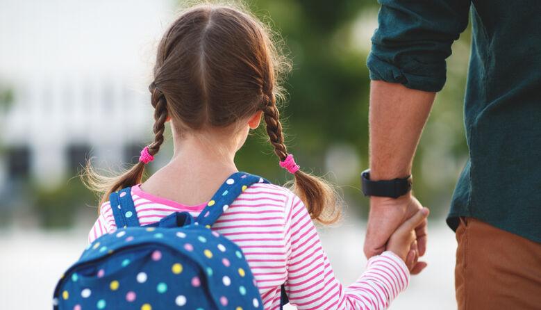 «Спробуйте не допустити мою дитину на урок»: батько відмовився залишати дитину на самоізоляції