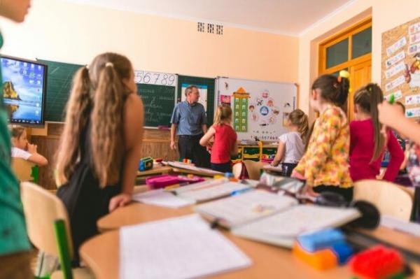 Вчителі, які працюють дистанційно на лікарняному, втрачають 50% зарплати – це порушення прав освітян, – Сергій Горбачов