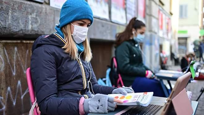 """""""Ми маємо право навчатися в школі"""": італійські учні протестують проти дистанційки"""