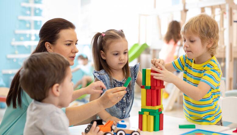 Освітяни створили петицію про збільшення щорічної відпустки педпрацівникам закладів дошкільної освіти