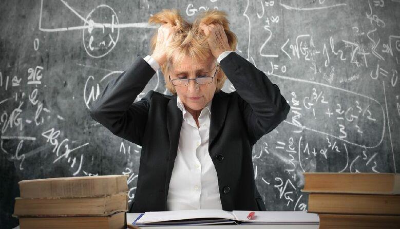 Вчителі – не обслуговчий персонал: про знецінення професії в українському суспільстві