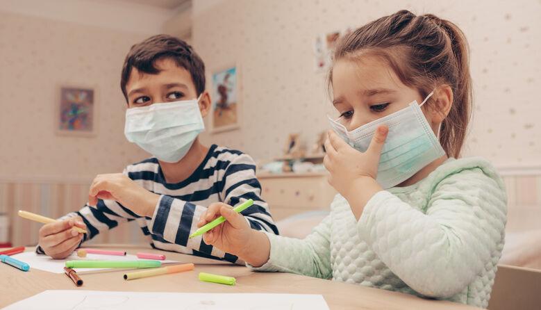 Новий штам COVID-19 може бути більш заразним для дітей: епідеміологи про мутацію коронавірусу