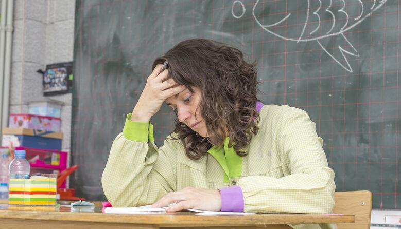«Ми, вчителі, не потрібні цій владі, ми взагалі нікому не потрібні»: педагогиня про свою боротьбу з COVID-19