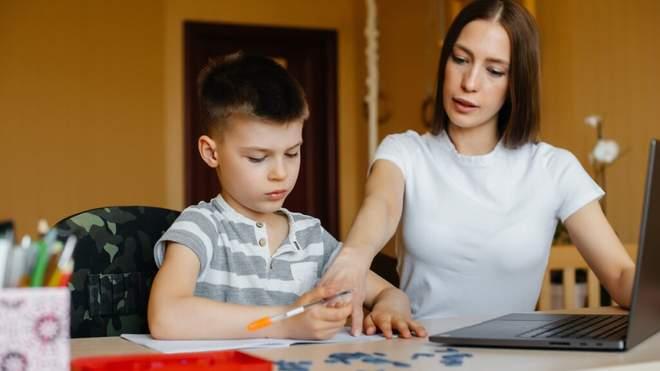 Більше часу на уроки та підготовку: нове дослідження про онлайн-навчання у 2020 році