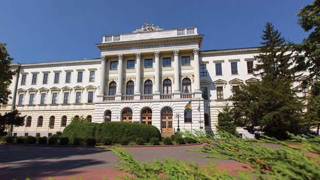 Вісім львівських науковців увійшли до рейтингу ТОП-2% вчених світу