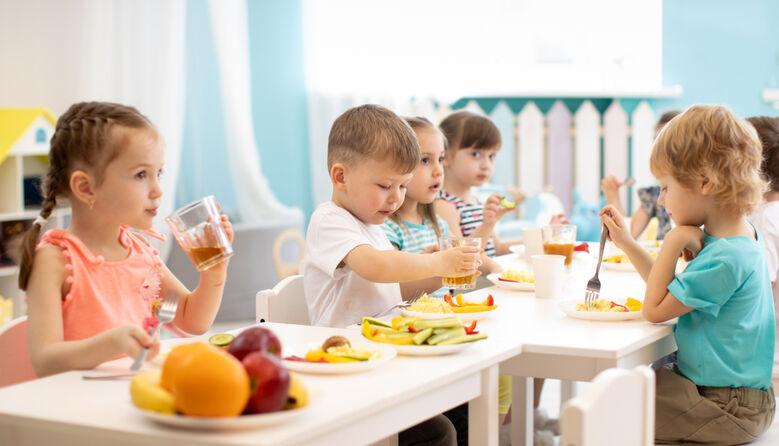 Зміна оплати за дитсадочок: у Києві батьки повністю оплачуватимуть харчування дітей