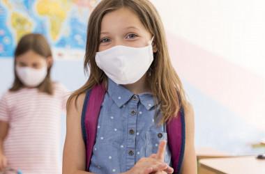 Більшість українських шкіл розпочали звичне навчання