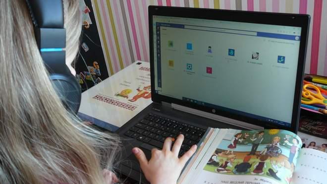 Учні почали більше читати: у Департаменті освіти назвали переваги онлайн-навчання