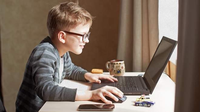 Якою має бути тривалість уроків під час онлайн-навчання: вимоги МОЗ