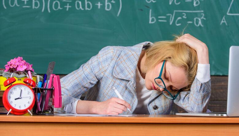 «Ти ж вчитель, тобі давно заборонено те, що з легкістю вибачають іншим»: про нелегку професію педагога
