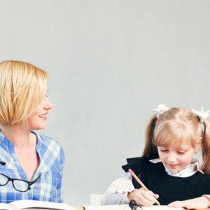 «Малювання словом»,«Остання буква» та «Пташина мова»: психологиня запропонувала ігри для розширення словникового запасу дітей
