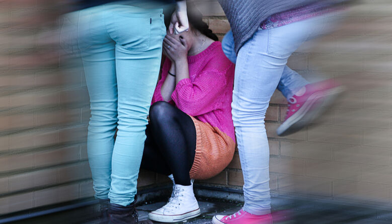 Суд виніс вирок п'ятьом дівчатам за побиття школярки