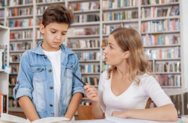 Учителя можуть звільнити за аморальний проступок і булінг