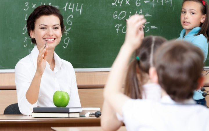 Як вчителеві відповідати на запитання учнів та батьків: корисні поради