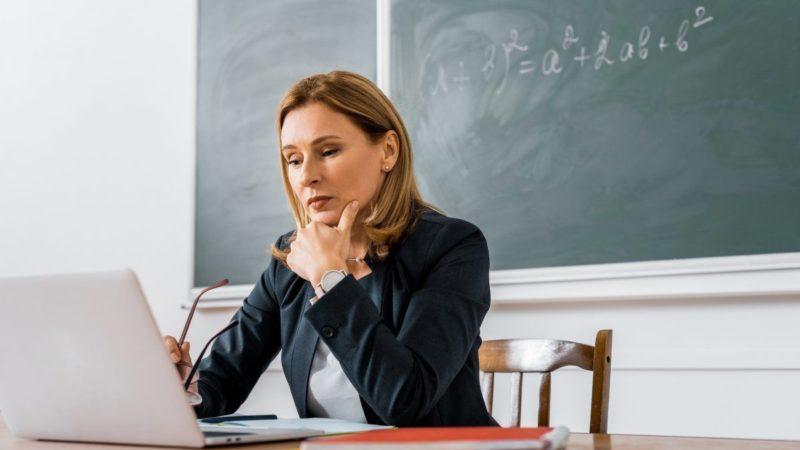 «Люблю свою роботу, але мені страшно»: чи готові  вчителі повертатись до школи?