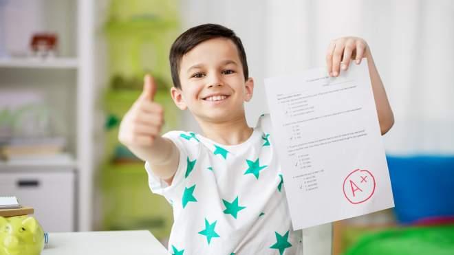 Оцінки та залученість батьків: як школи можуть покращити успішність учнів