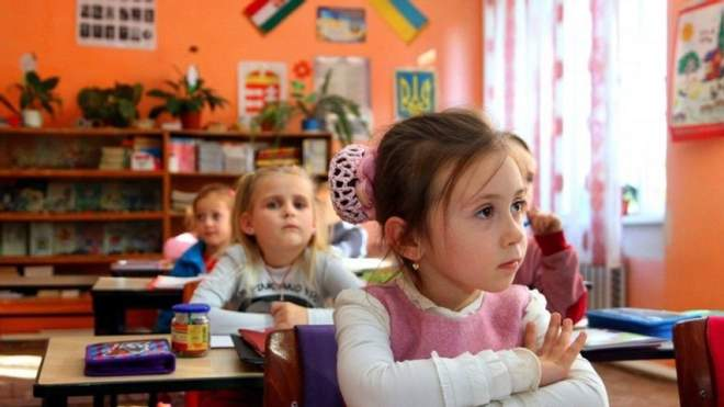 Зарахування дитини в перший клас: які документи потрібні та що варто знати батьки