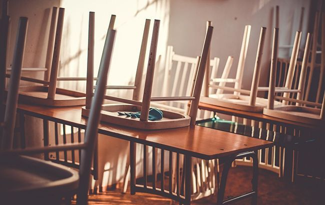 На Прикарпатті через борги хочуть закрити понад сотню шкіл